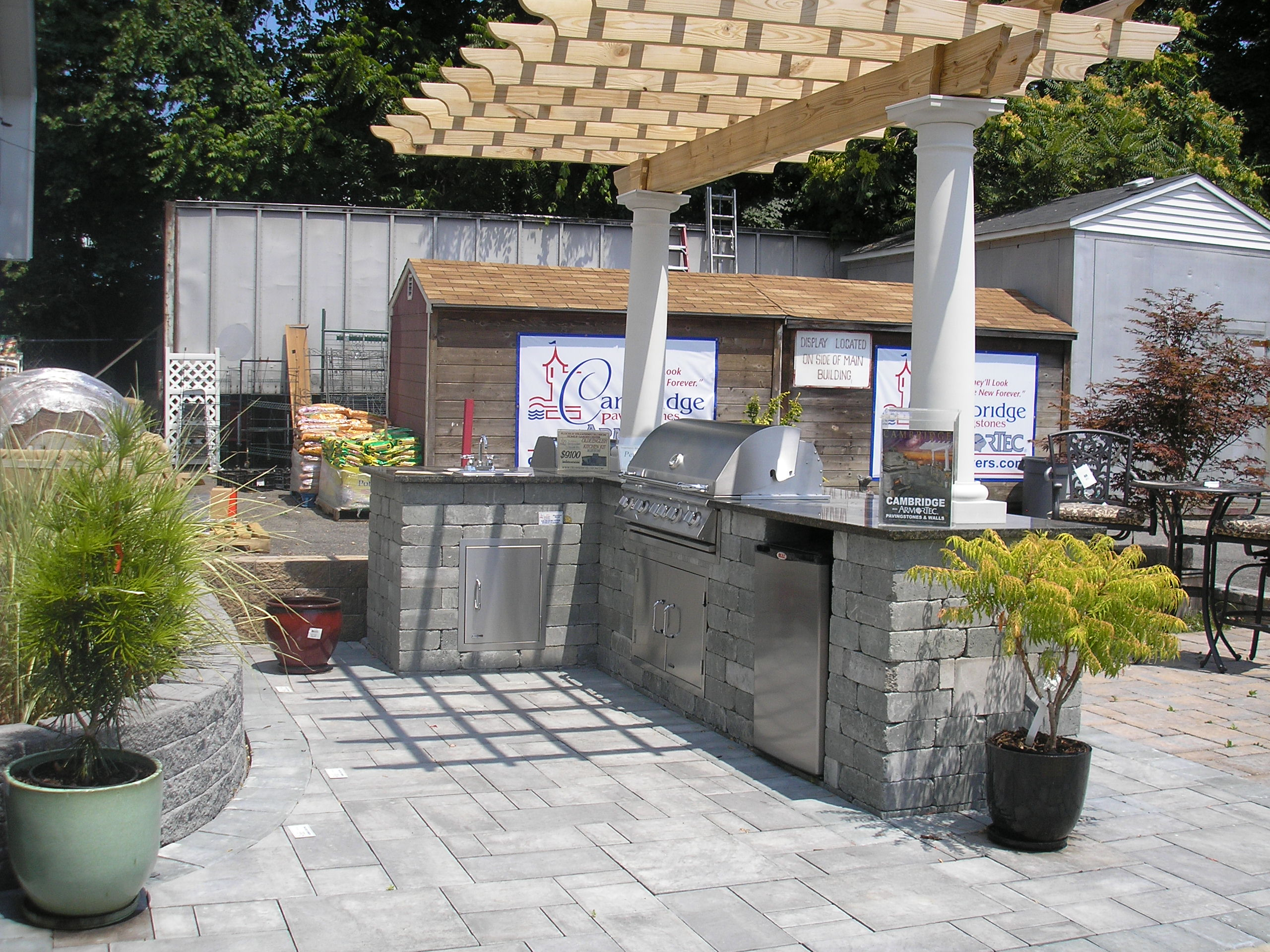 Modern pergola joy studio design gallery best design for Outdoor kitchen under pergola